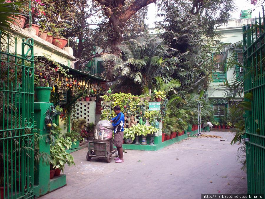 Fairlawn Hotel, дворик