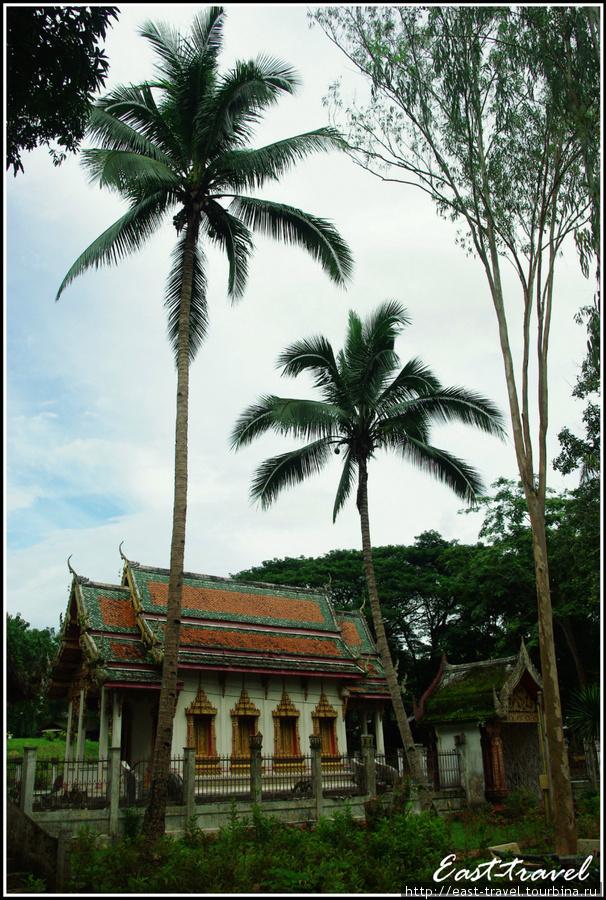 Храмовый комплекс у горы Чианг Дао