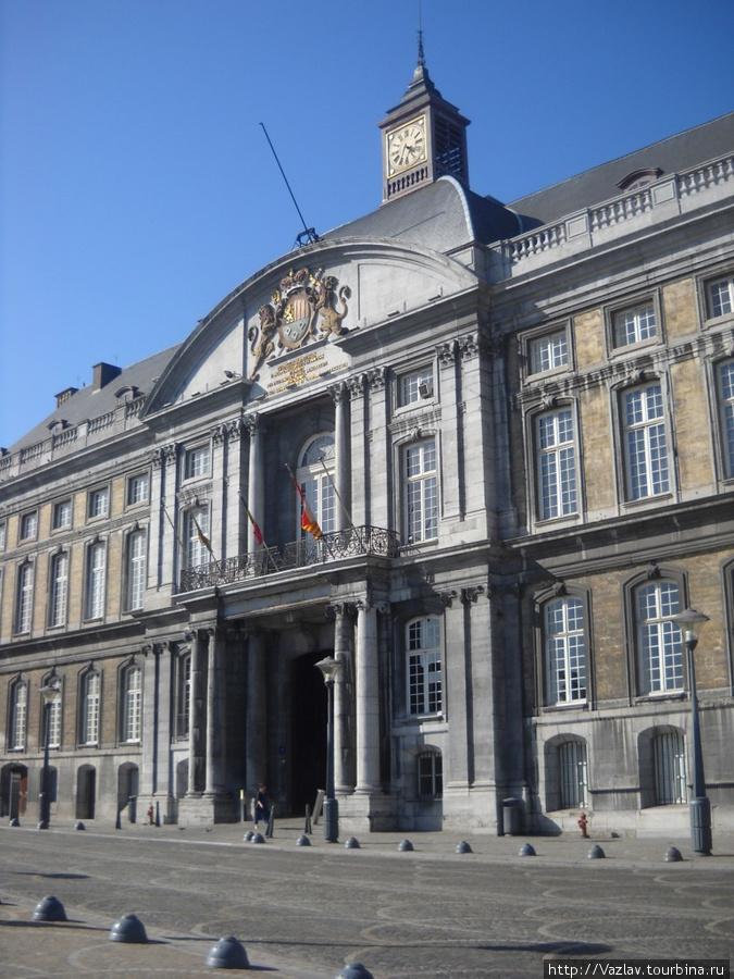 Фрагмент дворцового фасада