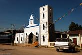 По дороге на трассу можно взглянуть на небольшую церковь.