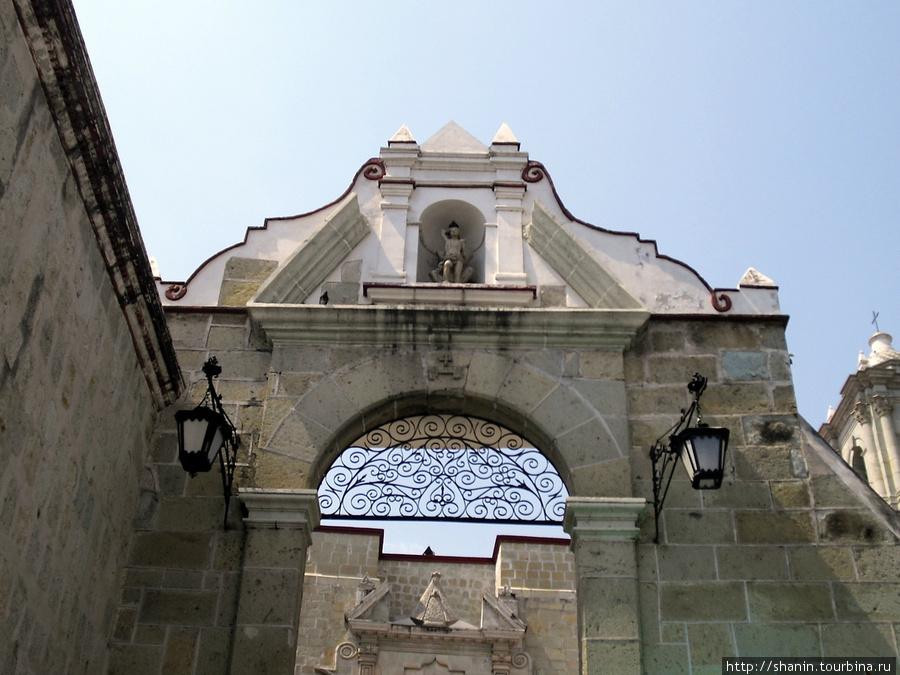 Базилика Соледад Оахака, Мексика