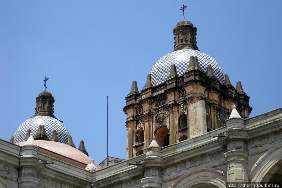 Церковь доминиканского монастыря Оахака, Мексика
