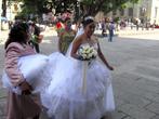 Невеста перед кафедральным собором Оахаки