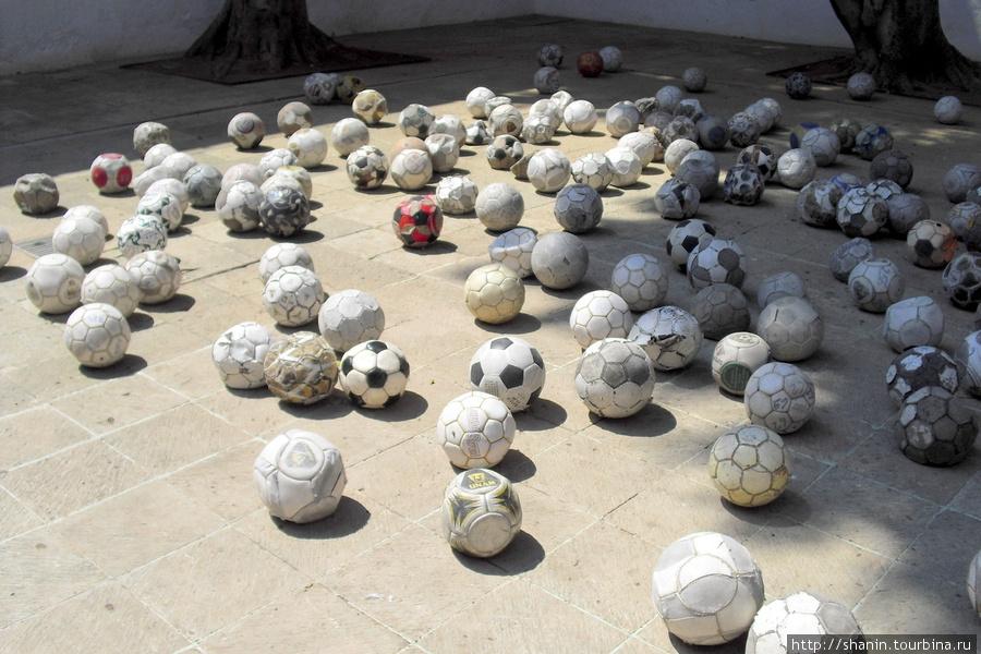 Инсталяция в музее современного искусства в Оахаке Оахака, Мексика
