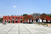 Площадь перед доминиканским монастырем