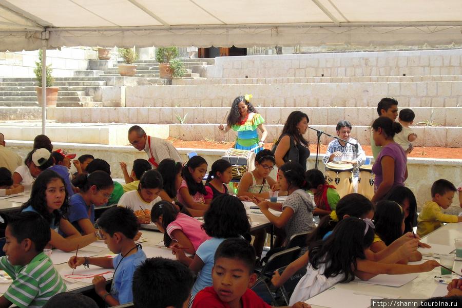 Дети рисуют Оахака, Мексика