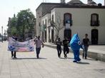 Демонастрация перед кафедральным собором