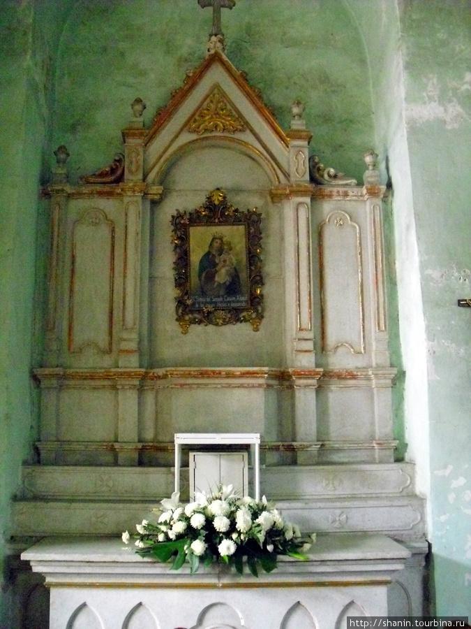 В храме Патросинио Оахака, Мексика