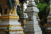 Возле храмов хоронят не только монахов, но и высокопоставленных лиц