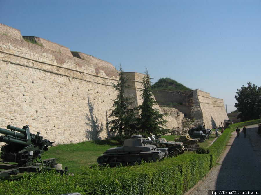 Вся мощь сербской армии :)