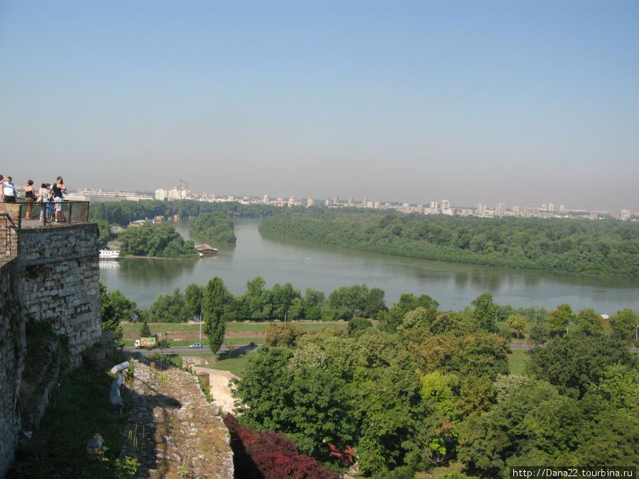 А город и впрямь белый :)