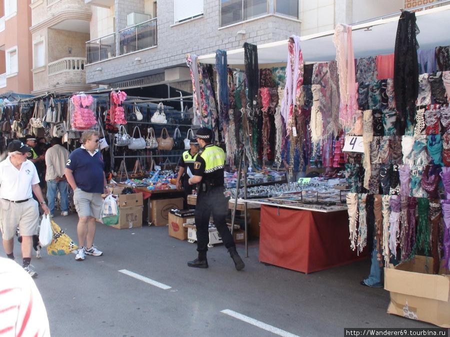 Работа полиции на рынках.