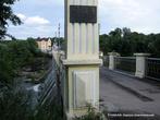 В полукилометре от Зеленого острова вниз по течению — плотина ГЭС. На Роси в годы первой пятилетки была построена Корсунь-Шевченковская электростанция мощностью в 1800 киловатт — одна из первых в Украине