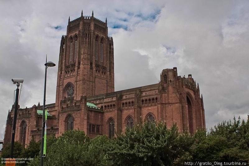 Англиканский собор, строившийся почти 70 лет
