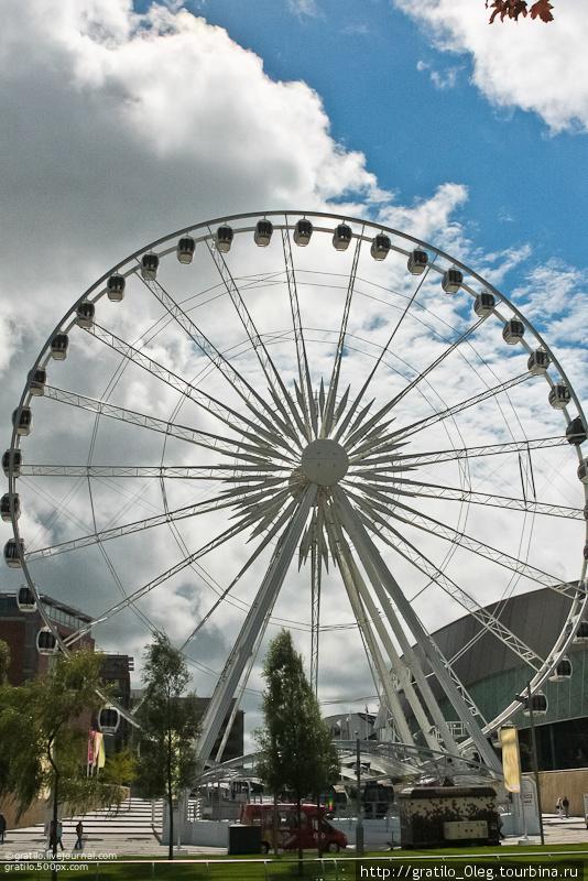 Ливерпульское колесо обозрения меньше лондонского в два раза.