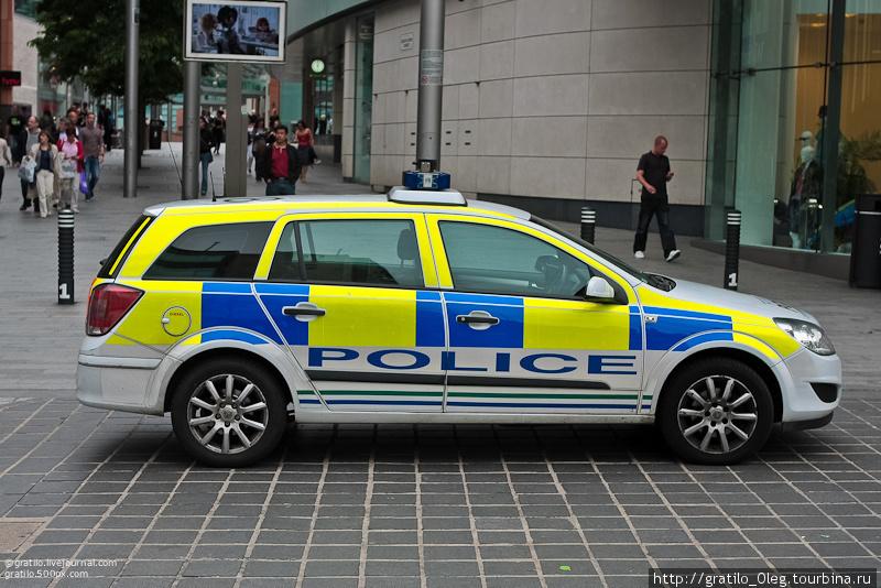 Полиции в Ливерпуле много. Больше чем мы видели в любом другом городе