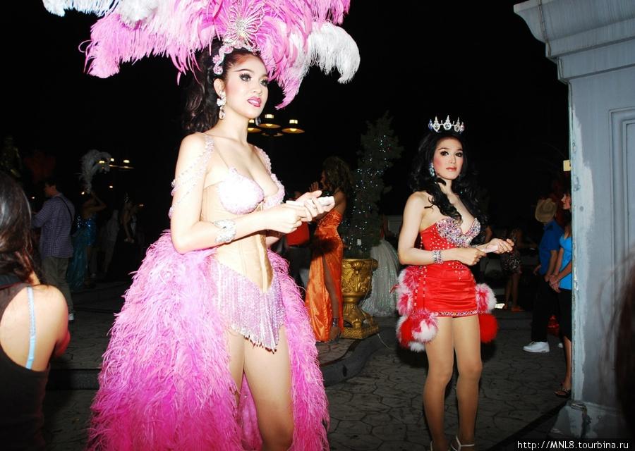 Тайланд тиффани шоу шоу трансвеститов хорош