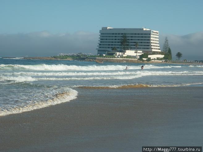 Вот и один из пляжей. Небольшой. Волны, сами понимаете — океан все-таки.