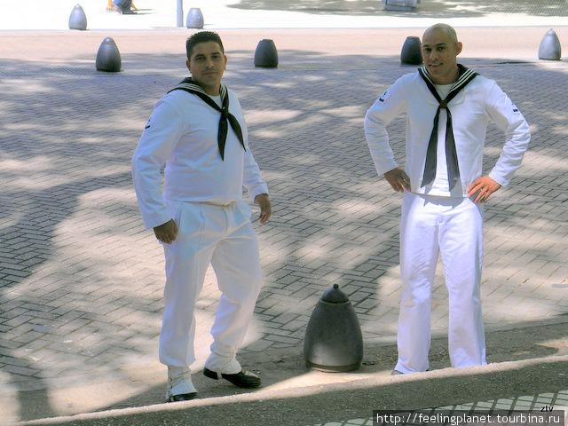 Бравые моряки