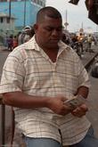 Каждый имеет солидную пачку денег и с радостью предложит вам обменять одни доллары (например, американские) на другие — гайанские.