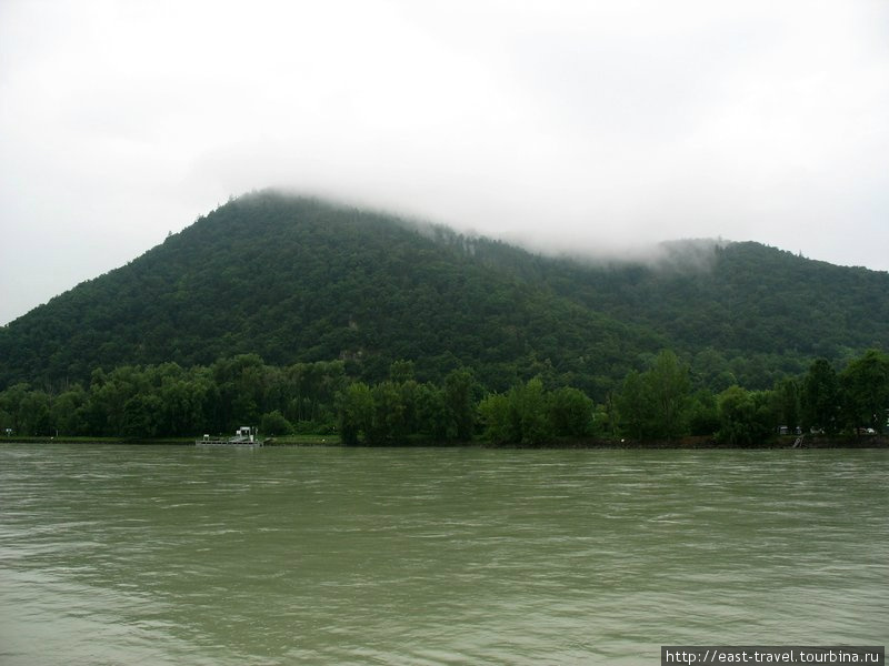 Именно таким встретил нас Дунай ранним утром