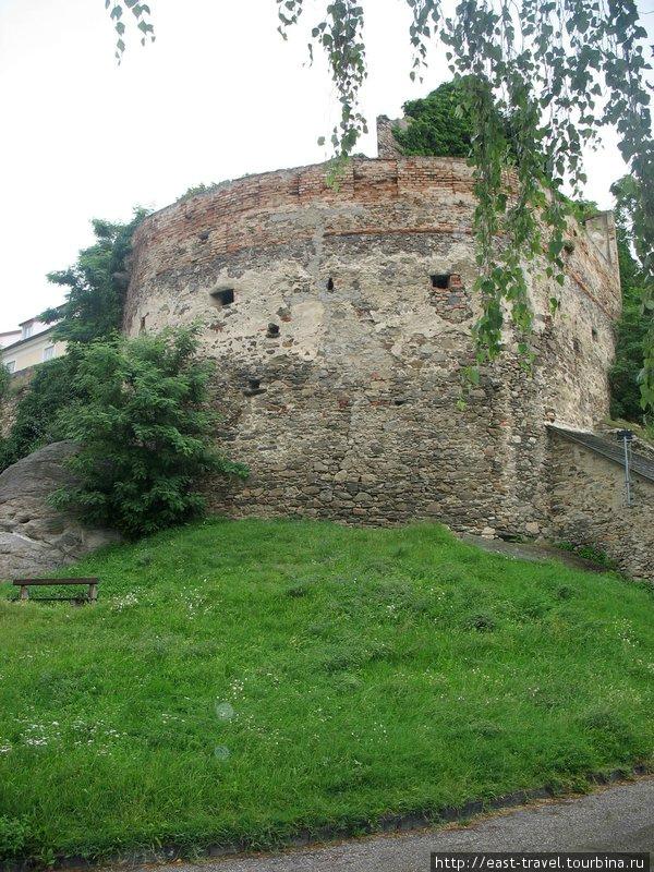 Остатки оборонительных сооружений