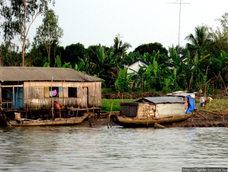 Лодка-домик