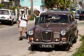 В закоулке вполне можно обнаружить отличный автомобиль. Уисли — я, если честно, эту английскую марку первый раз видел.