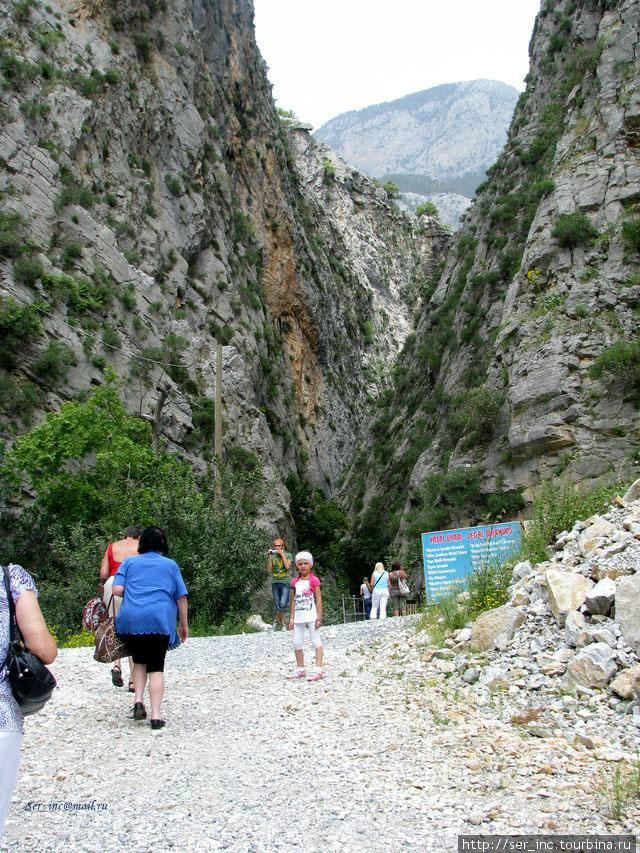 Начало пешей тропы в каньоне Сапа Дере