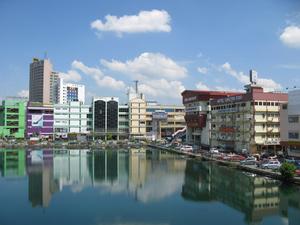 Это город Серембан.