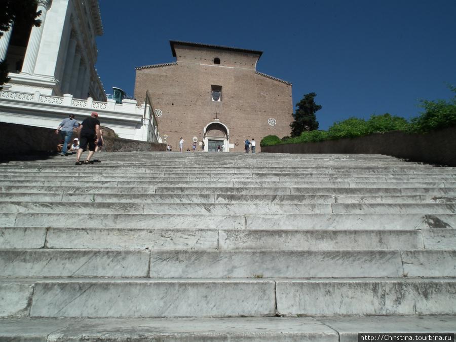 Лестница Арачелли.