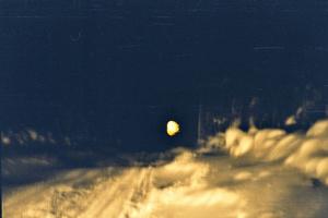 Ночь. Зимник. (Фотографии сканированы, изначально были плёночные)