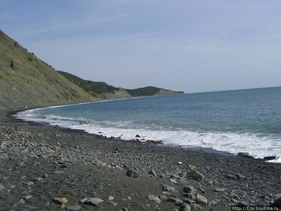 Сентябрь 2007. Поездка в Большой Утриш. Спустившись вниз с горного заказника, можно прогуляться по берегу