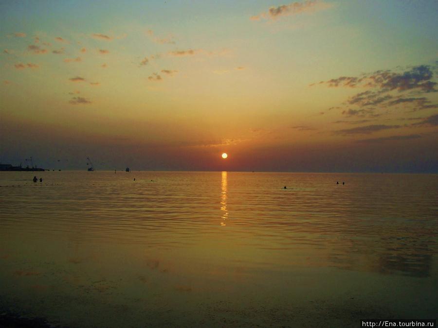Романтическая морская прогулка — прекрасный вариант развлечения для вечера