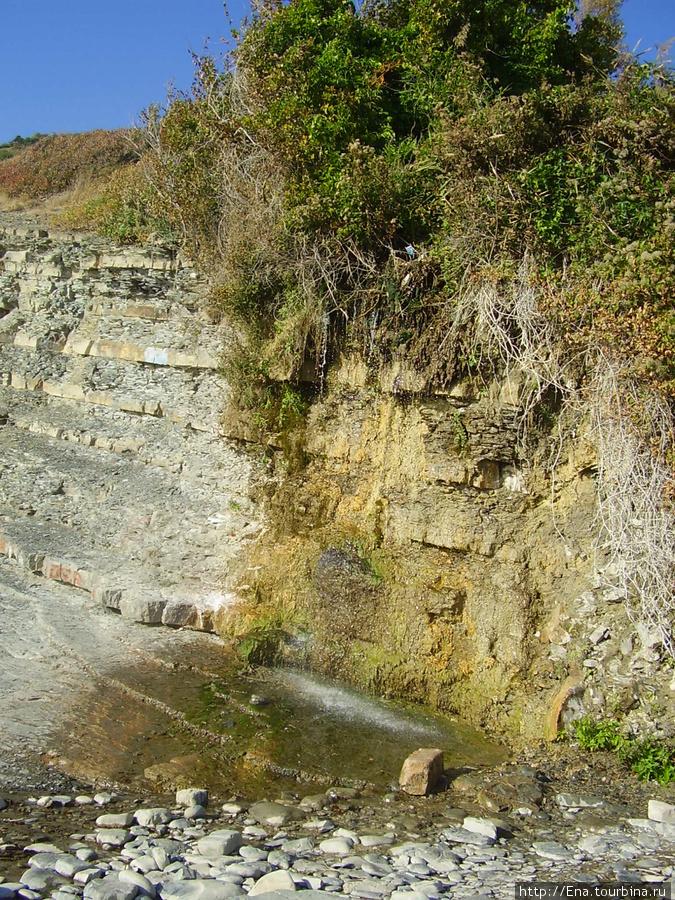 Сентябрь 2007. Поездка в Большой Утриш. Вот такой водопадик!