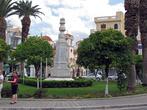 ...попадаешь на центральную площадь горда, к которой примыкает Храм Святой Троицы и начинается пешеходная