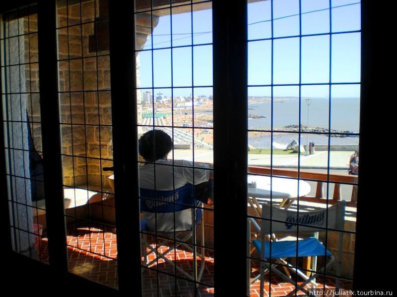 вид с балкона на океан.