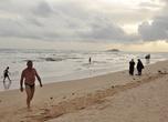 И снова пляж в Берувеле, когда солнце близится к горизонту. Июль 2010.