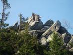 На этой скале в «Долине сказок» я увидел слона, Вероника, которой я показывал снимки, после путешествия, волка.