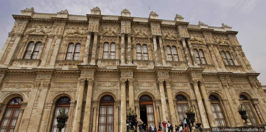 Выход из дворца на набережную Босфора