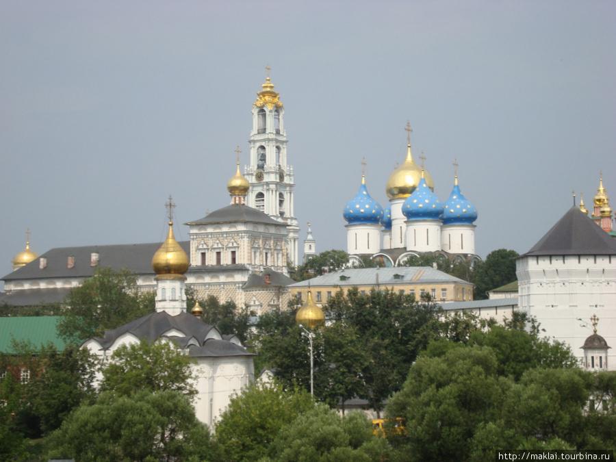 Сергиев Посад. Вид на Троице-Сергиеву лавру со смотровой площадки.