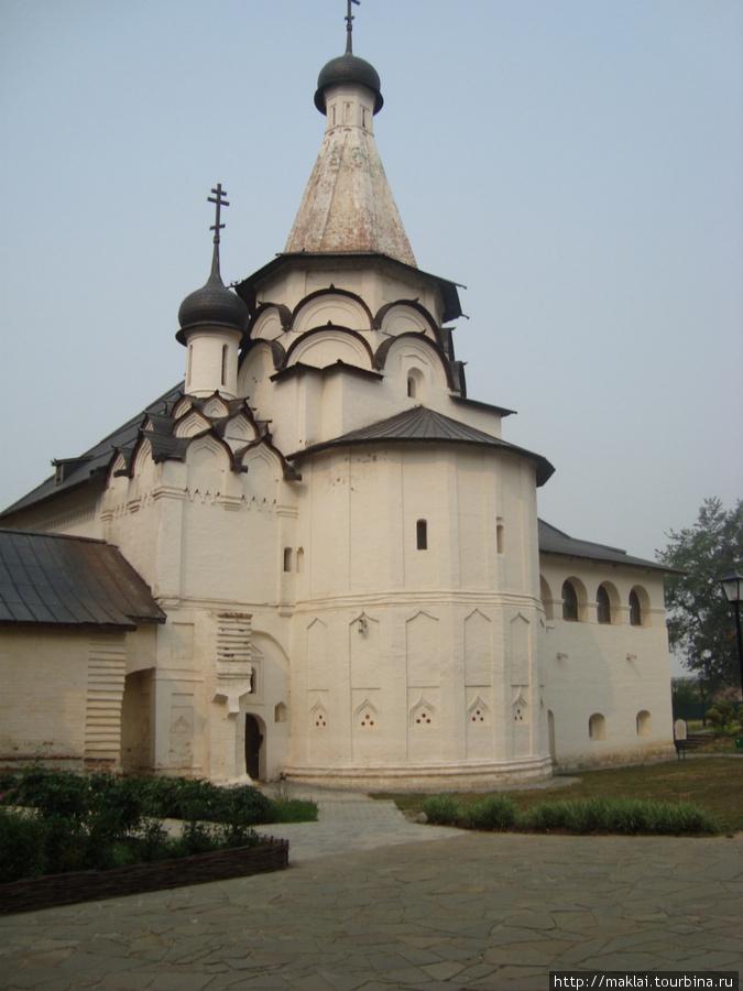 Суздаль. Спасо-Ефимьевский монастырь.Успенская церковь.