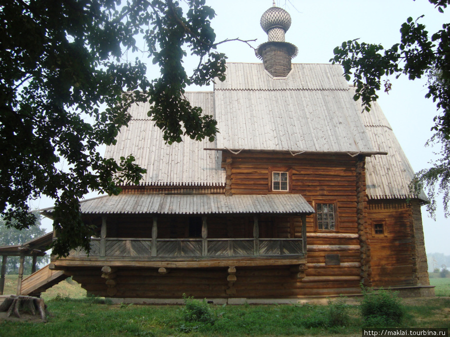 Суздаль. Никольская церковь из деревни Глотово.