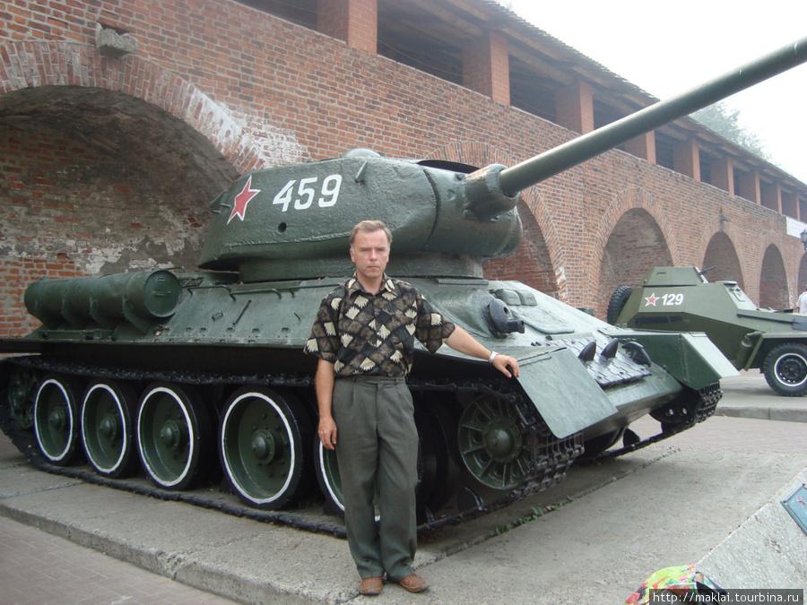 Н.Новгород. Экспозиция вооружений периода Великой Отечественной войны.