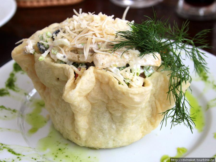 Это салат цезарь — правда ,правда...