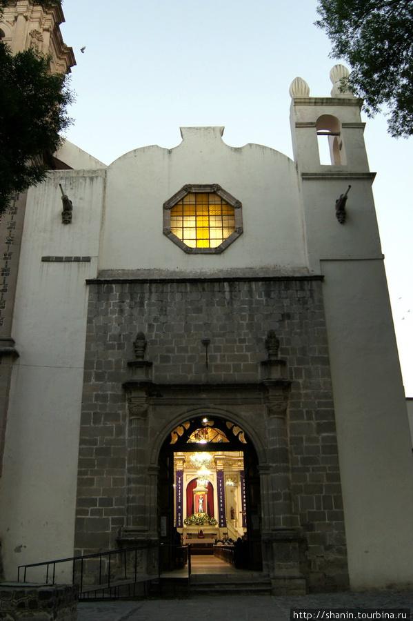 Монастырь в Сан-Хуан-Теотиуакан