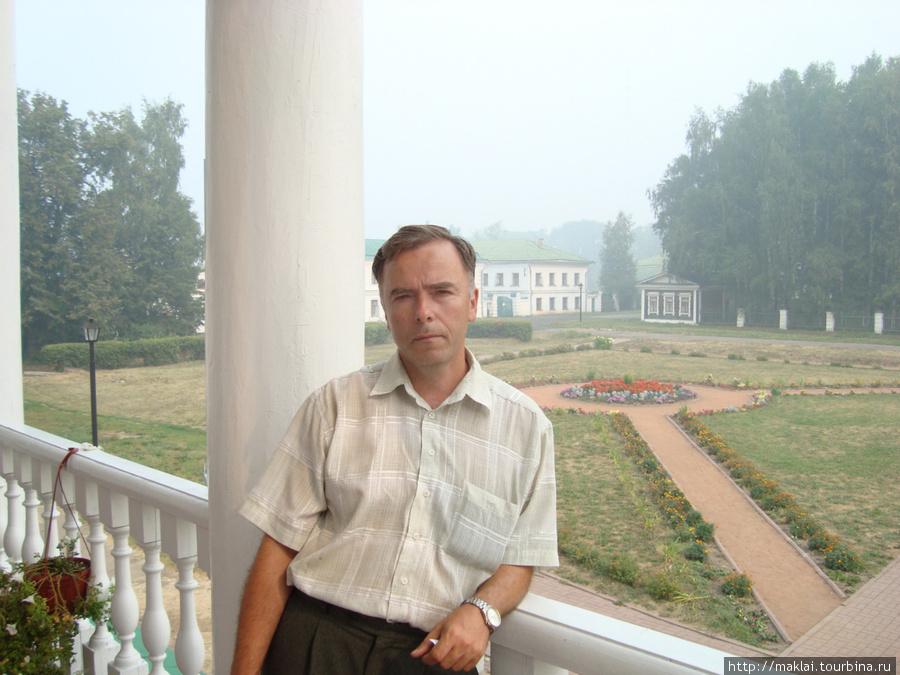 Усадьба Карабиха. Вид с террасы Большого дома.
