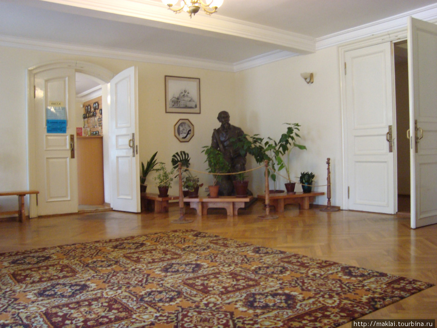 Усадьба Карабиха. Интерьер Большого дома.