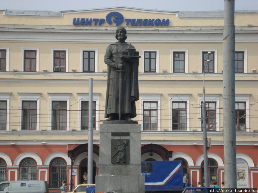 Ярославль. Памятник Я.Мудрому.