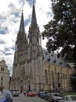 а чуть левее православной церкви — Домский собор